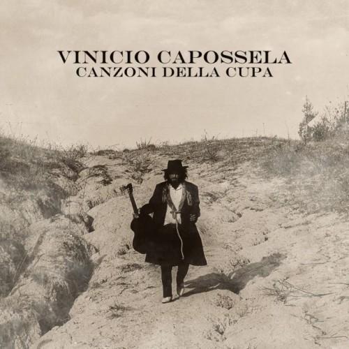 Vinicio-Capossela_Canzoni-della-Cupa_cover_Fotografia-di-Valerio-Spada_-Artwork-di-Jacopo-Leone_b